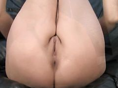 Gorgeous blonde milf power fucks her pussy with a vibrator