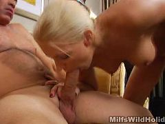 Sexy blonde mom gets her wet slit humped