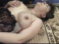 Mature slut gets steamy fucking thrill on bed