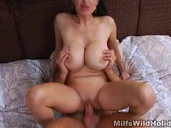 Huge racked MILF gets her cunt licked and banged