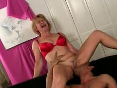 Big milf tits bounce while pussy knobbed