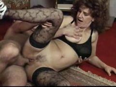 Hardcore matured whore in stockings gets lustful satisfaction on the floor